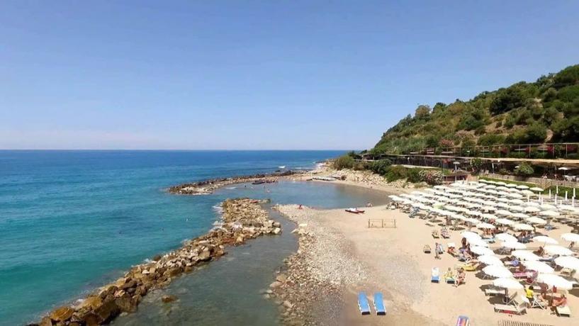 Spiaggia ed Animazione in Villaggio-Palinuro Vicino al Mare