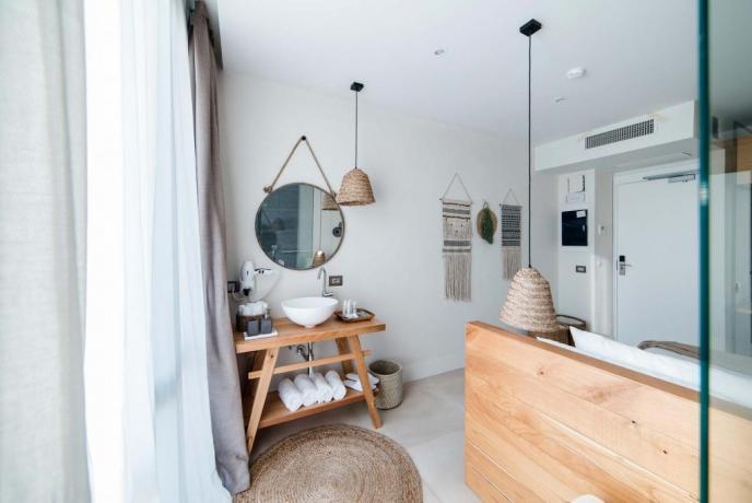Camera matrimoniale con aria condizionata Hotel4stelle Baia-Domizia