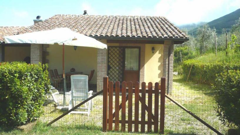 Dépendance con giardino privato a Montecchio
