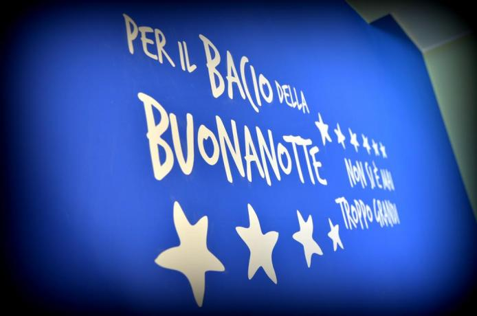 Frase sul muro B&B vicino Giardini Naxos