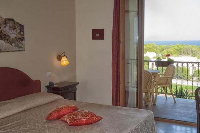 Senior Suite con Vasca Idromassaggio e Balcone vista-mare