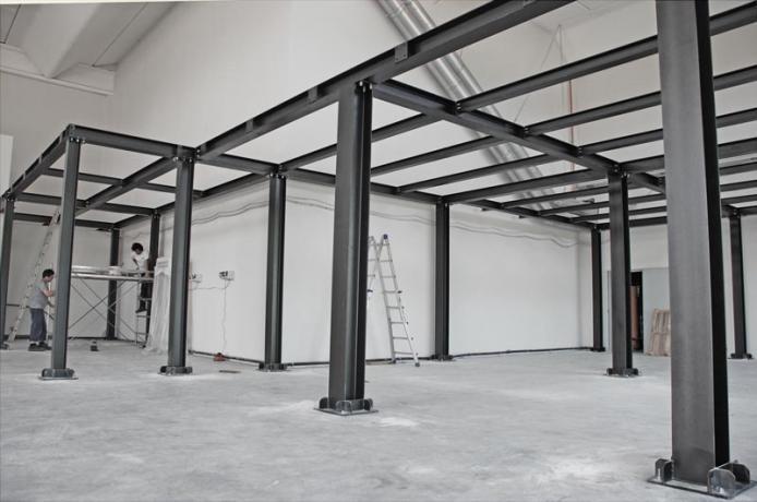 Strutture prefabbricate in acciaio per uso abitativo pubblico produttivo agricolo - Struttura in ferro per casa ...