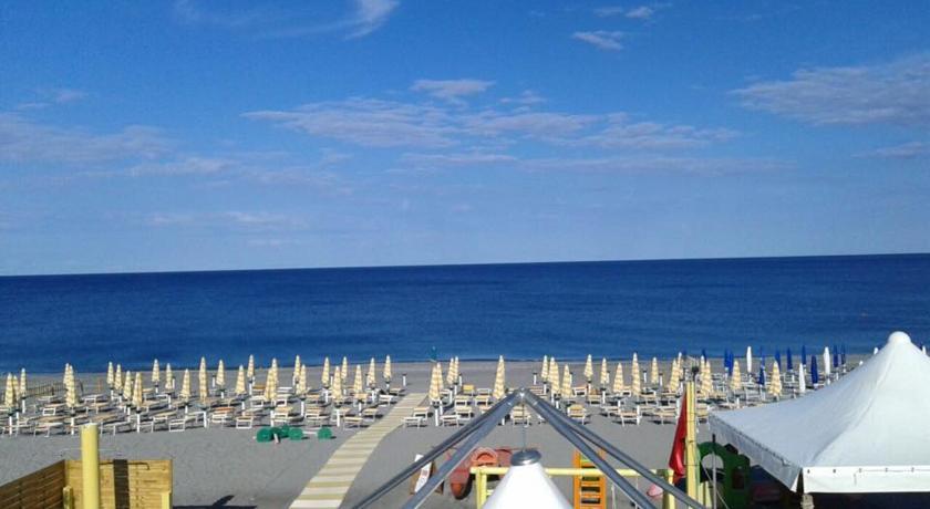Spiaggia Santa Maria del Cedro
