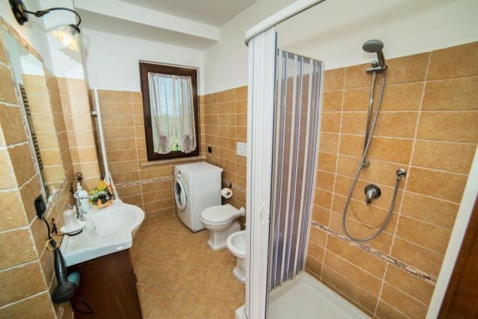 Appartamento Giallo Bagno con Lavatrice