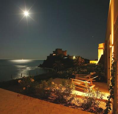 Hotel e pensioni con vistamare a falconara an alberghi bb agriturismi vicino a falconara - Piscina falconara marittima ...
