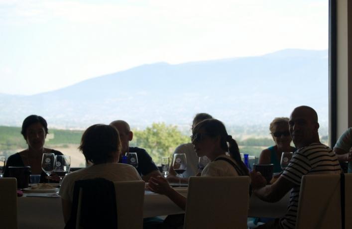 colazione presso la cantina Dionigi dopo il volo