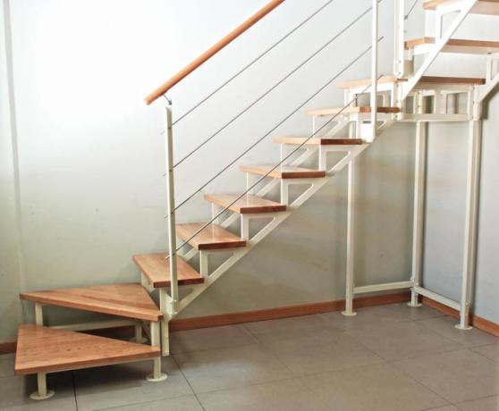 Scala Da Esterno In Legno : S scale prefabbricate legno e acciaio scale da interno ed esterno