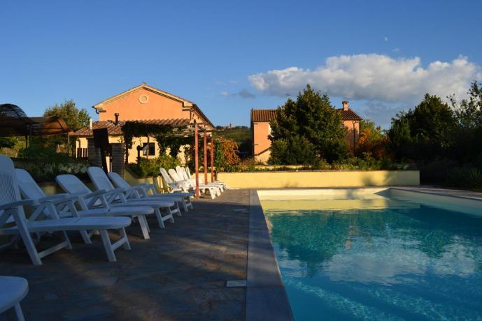 Agriturismo Umbro con piscina vista panoramica