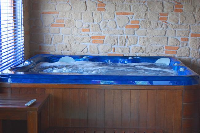 Vasca idromassaggio 6 posti