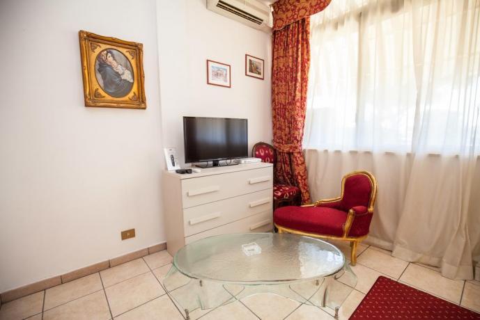 Relax in camera matrimoniale romantica Ostia
