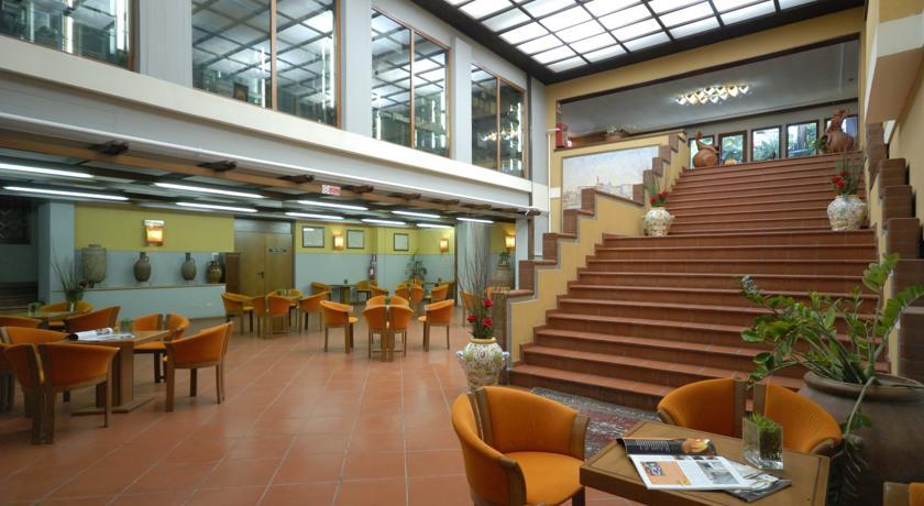 Centro Congressi Hotel Calenzano 4 Stelle con Piscina