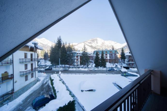 Appartamenti-vacanze Bardonecchia con balcone vista piste scii