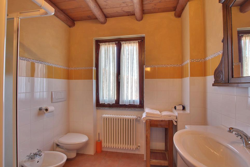 Ampio Bagno privato camera con box doccia