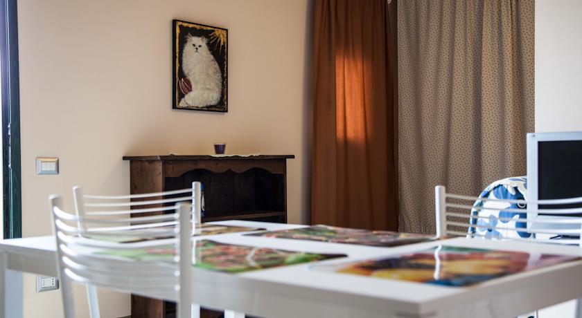 Villaggio Camping con Appartamenti e Piscina