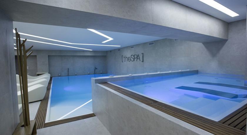 Centro Benessere con piscine nell'hotel campano