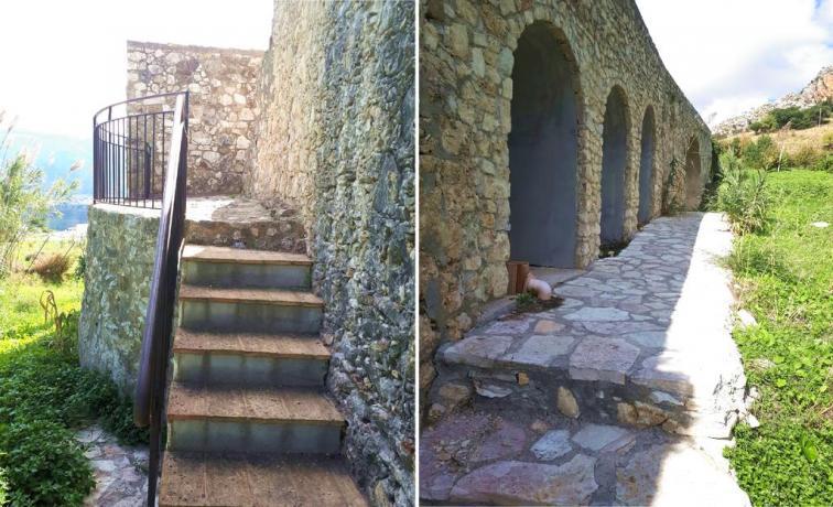 Antiche mura siciliane del 1475 ristrutturate