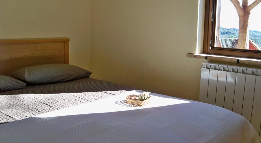 Camera matrimoniale appartamento Mezzodì