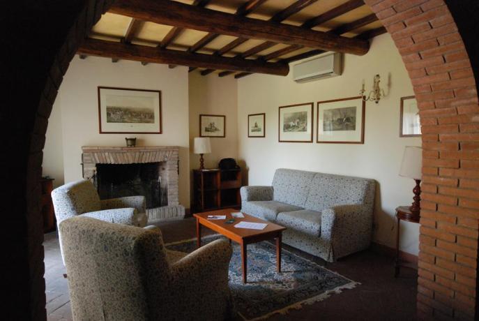 Soggiorno con divano letto Residence Terni