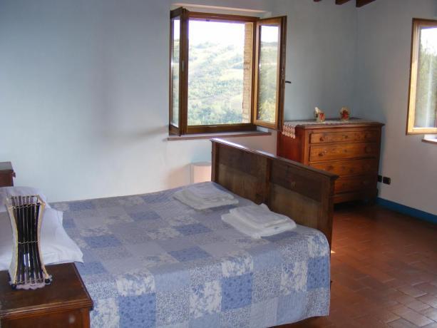 Casolare con camera vista collina vicino Gubbio