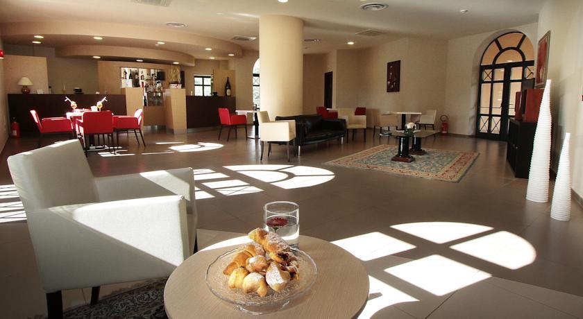 Salone comune ideale per relax: Hotel Il Raffinato