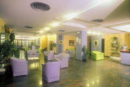 Deposito bagagli albergo 3 stelle a Caltagirone
