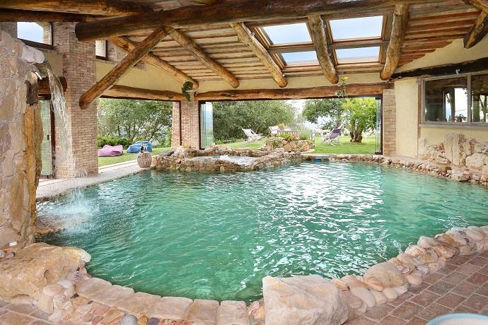 villa privata con piscina interna riscaldata e benessere