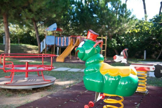 Area giochi per bambini nel Resort pugliese