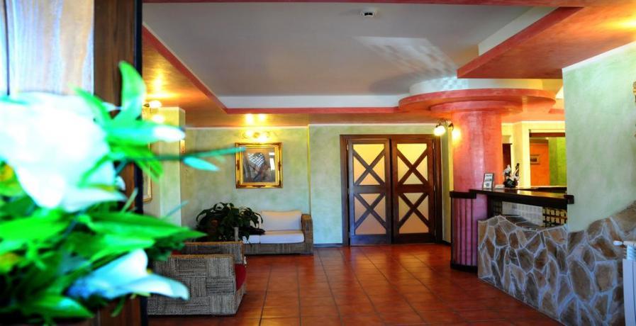 Hotel reception ad Alfedena Parco Nazionale d'Abruzzo