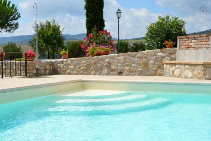Piscina in casale in Umbria vicino Orvieto