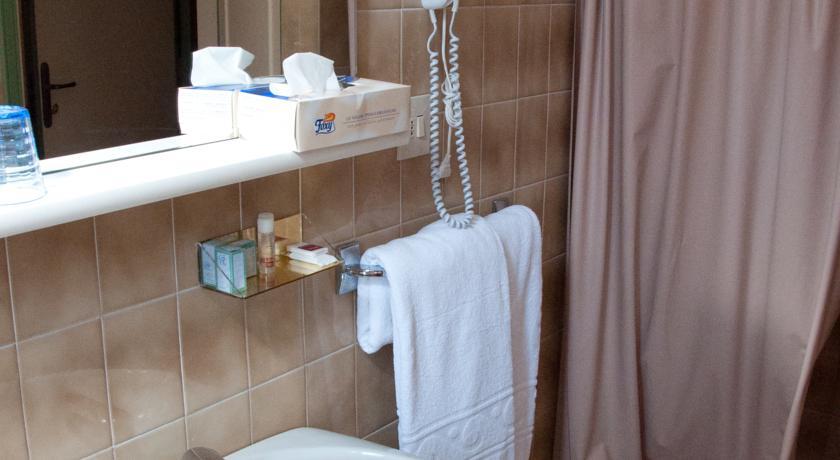 Dettaglio bagno in camera