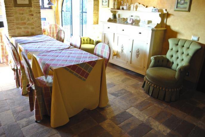 Sala da Pranzo in Villa Lusso con Suite