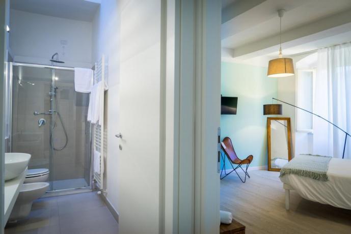 Vasca in camera fronte letto a Perugia