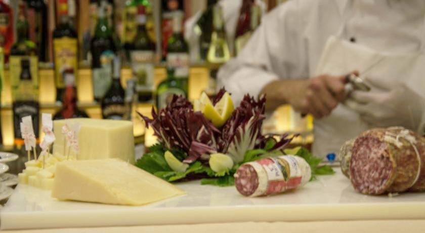 Hotel con Ristorante con prodotti tipici a Legnano