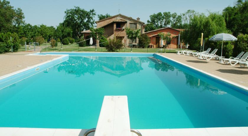 piscina agriturismo