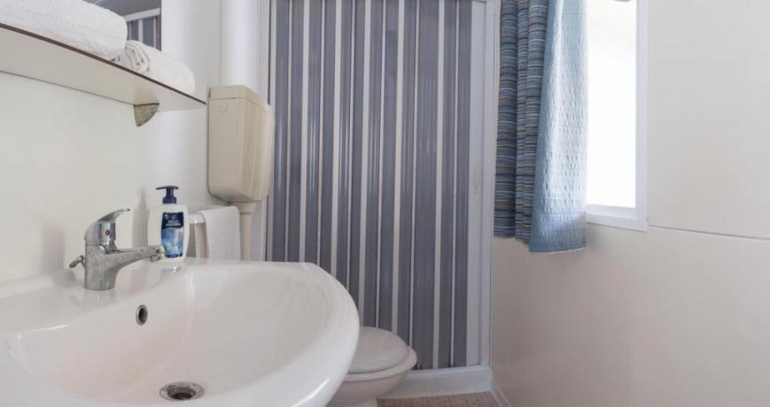 Bagno camera con doccia inclusa