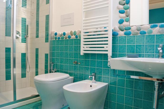 Camera ACQUAMARINA Salerno Centro: Bagno
