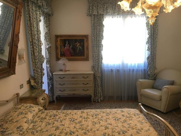 Camera matrimoniale villa vacanze per 10persone Perugia