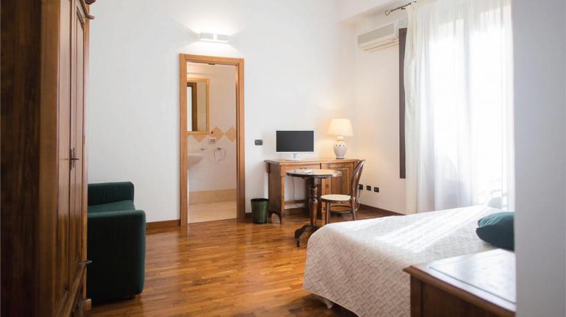 Camera: Hotel 3 stelle tra Trapani e Palermo