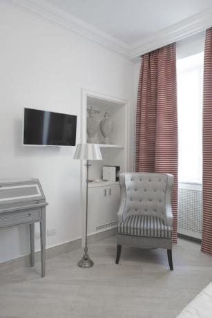 TV schermo piatto suite hotel Finale Ligure