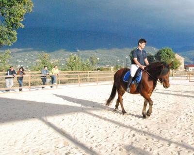 corsi di equitazione maneggio vicino assisi