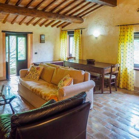 Salone con Cucina e Camino Casale-Lusso Assisi