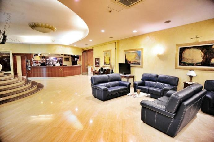 Hall albergo 4stelle con sala ricevimenti Battipaglia Salerno