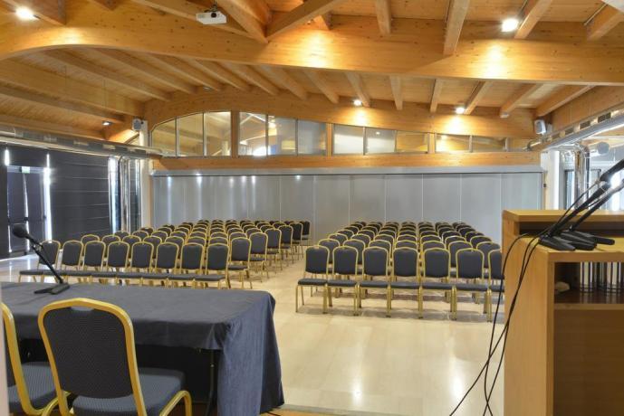 Sale Meeting in hotel4stelle a Lecce con VideoProiettori