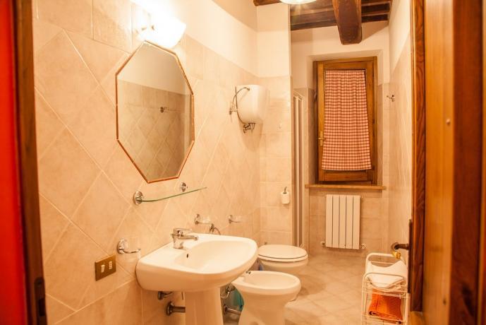 Bagno con doccia appartamento