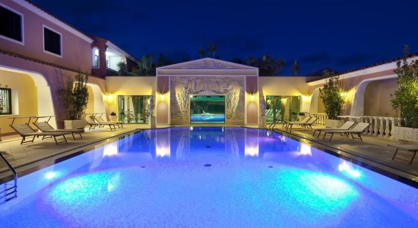 spiaggia-calaginepro-hotel4stelle-orosei-sardegna-centrobenessere-piscinacoperta-bar-salameeting-animazionebambini
