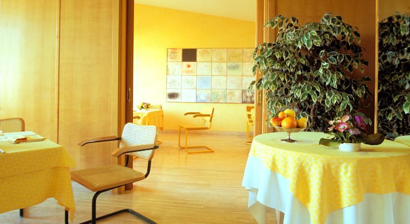 Capodanno a terracina offerta hotel 4 stelle fronte mare for Hotel 4 stelle barcellona centro