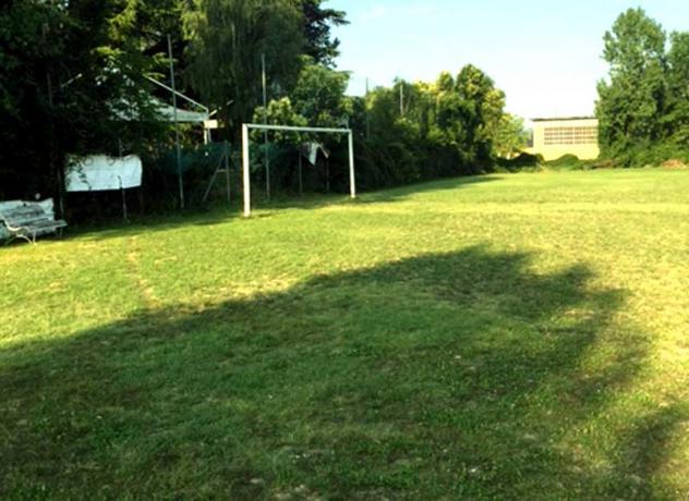 Campo Calcio in erba regolamentare in Umbria: Ritiro-squadra-calcio