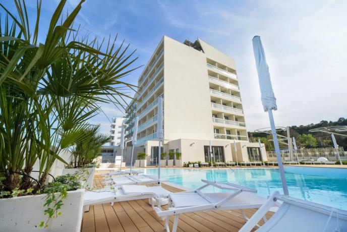 Vista Hotel a Pesaro 4 stelle