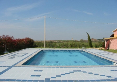 Piscine fuori terra vendita assistenza vendita piscine for Cloro liquido per piscine