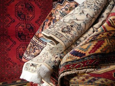 Pulitura e restauro tappeti in umbria lavaggio e - Pulizia tappeto persiano ...